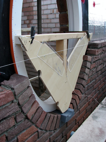 Template to adjust the bricks