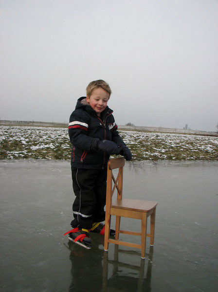 Stijn is ice skating in Sonnius park