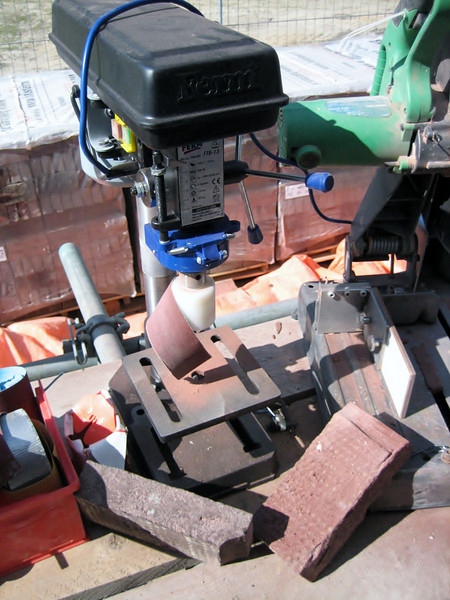 Grinding tools to brick works easily
