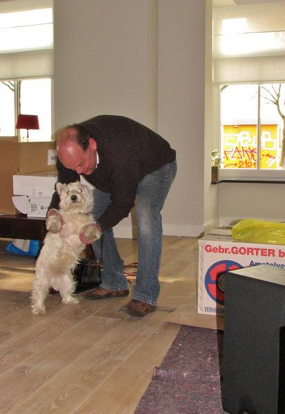 Kasper is teaching Bodie new tricks