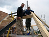 Hans and Marijn fitting the roof beams, Jufferlaan 36