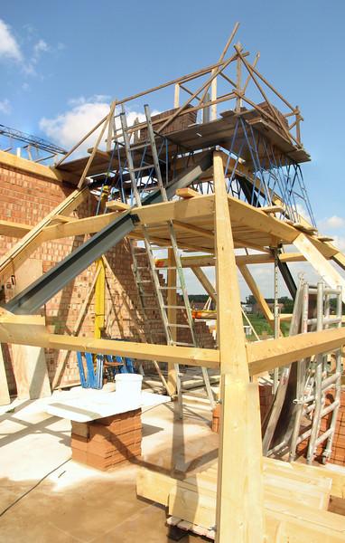 Marijn scaffolding around the chimney