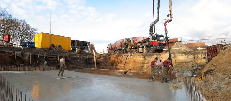 Casting reinforced concrete