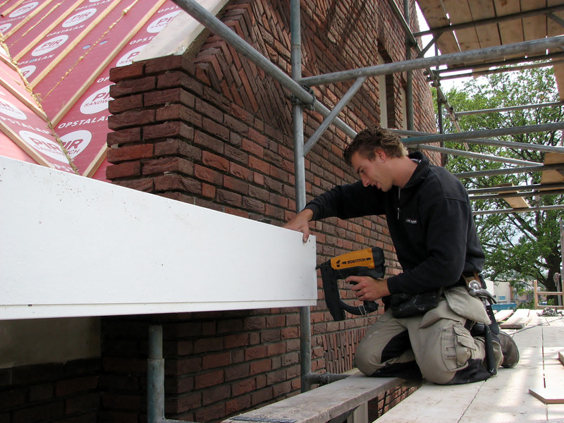 Mounting the gutter by Jarno and Marijn