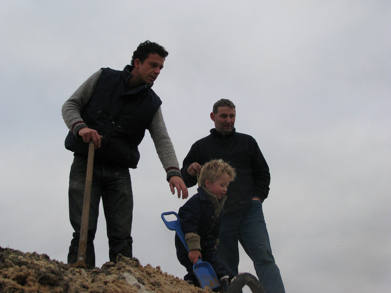 Stijn assisting with digging
