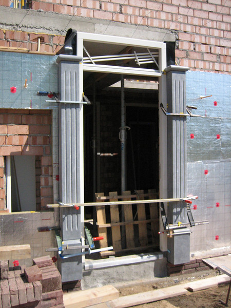 Placing the door frame, Easter 2011