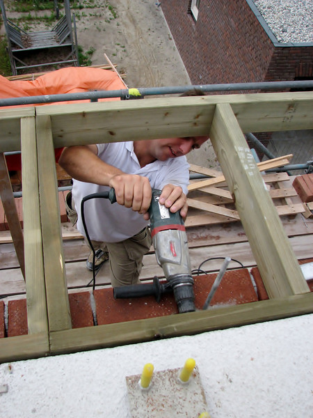 Hans mounting the gutter frame