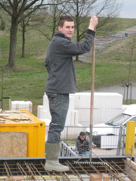Stijn rake and level concrete