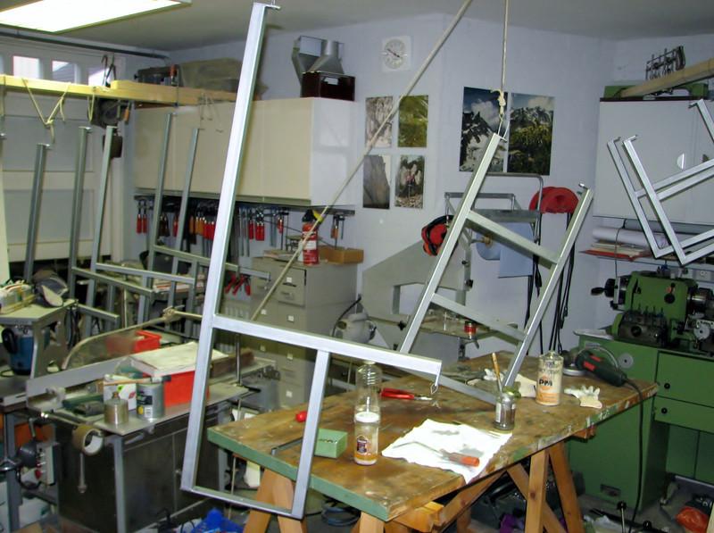 Marijn making the racks of the garage cellar depot