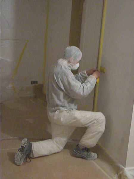 Film: Taping up the walls and ceiling (firm: Robert v.d. Wetering schilderwerken)