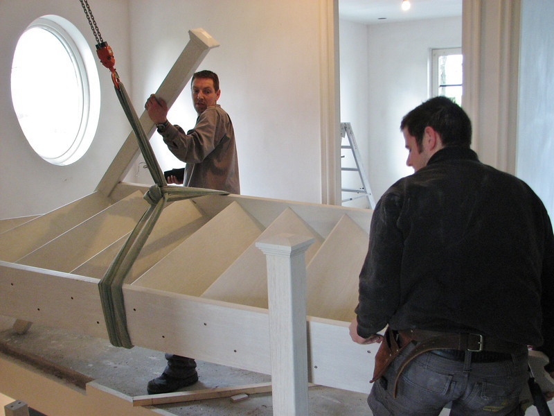 Mounting the stair parts on the first floor