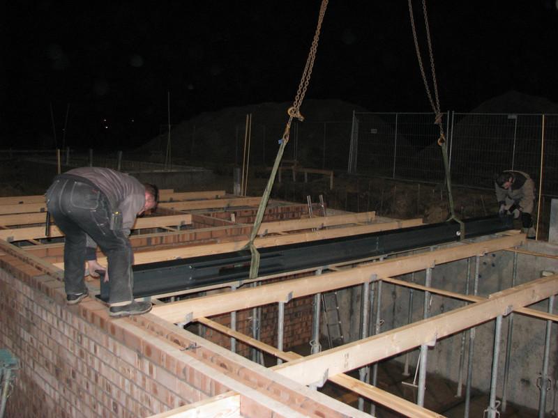Laying steel beams