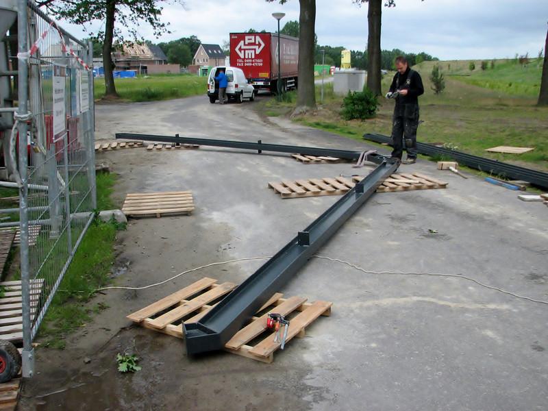 Assembling steel construction Jufferlaan 38 (Frans and Imke)