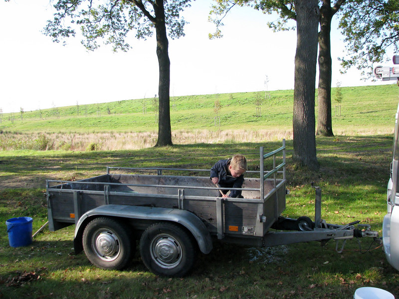 Stijn cleaning the trailer