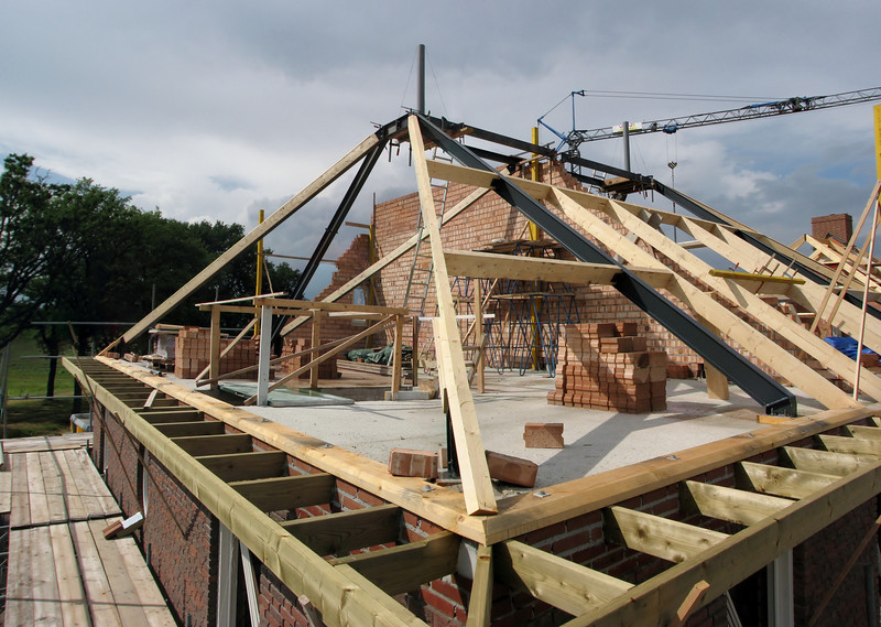 Roof beam construction with chimney bases, Jufferlaan 36