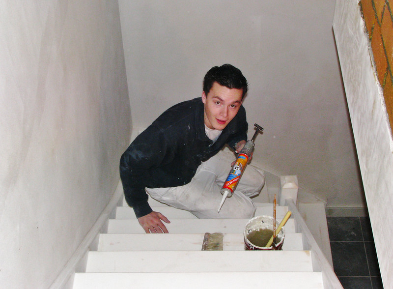 Rick is sealing the cellar stair (firm Robert v.d. Wetering)