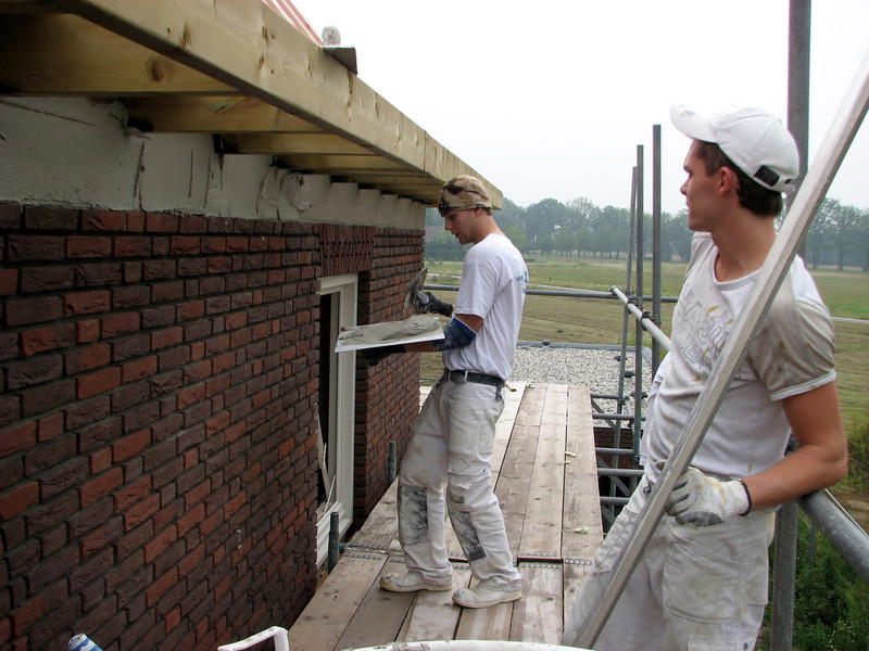 Plastering by plasterers of firm Ophey