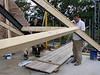 Jarno and Hans fitting the roof beams, Jufferlaan 38