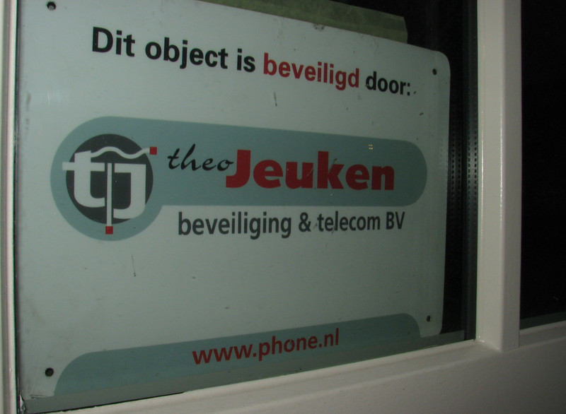 Sign of the security service, Theo Jeuken, Son
