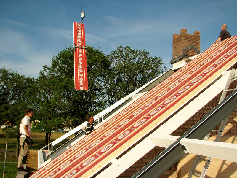 Mounting roof insulation board
