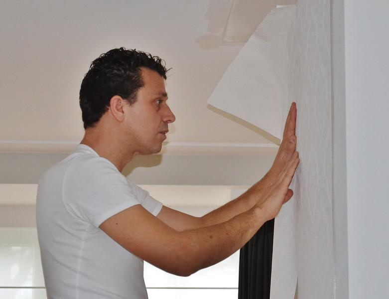 Robert wallpaper the mantelshelf
