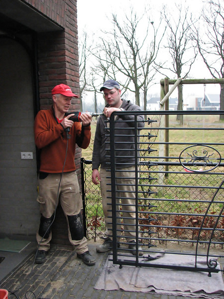 Marijn and William Kemps are drilling and preparation the gates