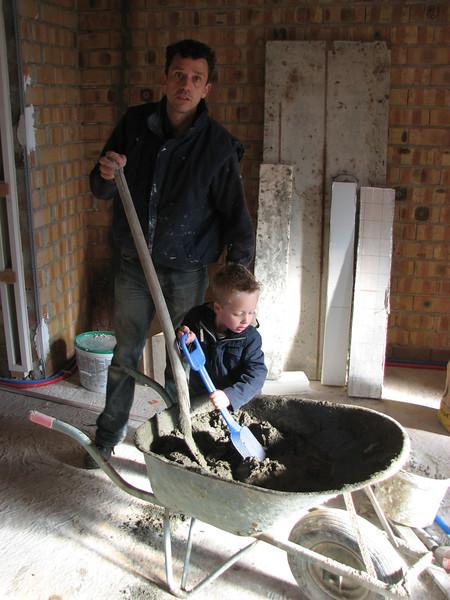 Stijn and Robert making cement