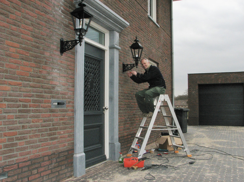 Mounting the bell and outdoor lights