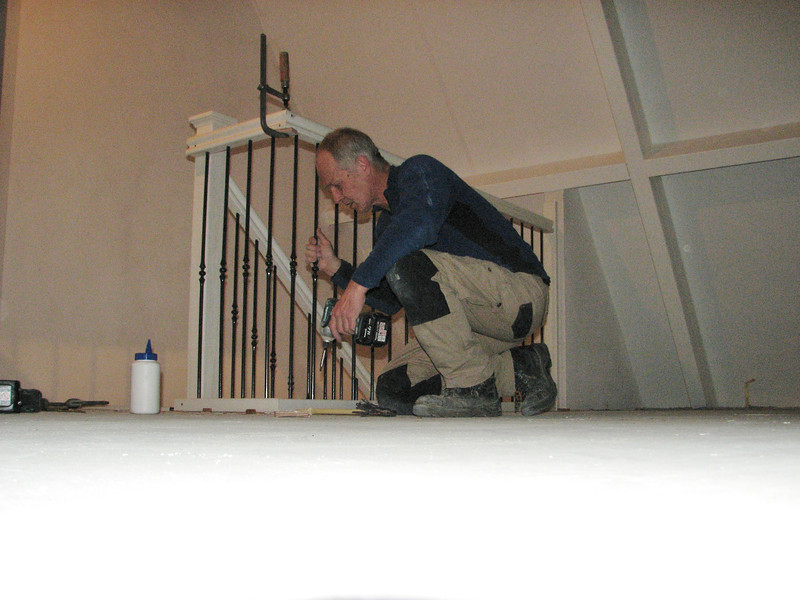 Mounting the stair parts at the attic