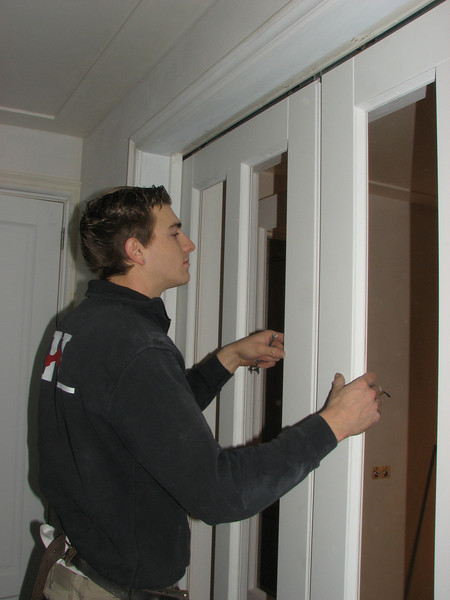 Jarno is adjusting the sliding doors