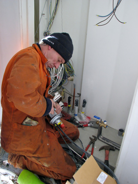 Installation of the meter cupboard