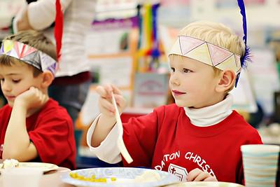 2011-11-22-DCS-1stGrade-Thanksgiving-034
