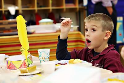 2011-11-22-DCS-1stGrade-Thanksgiving-023