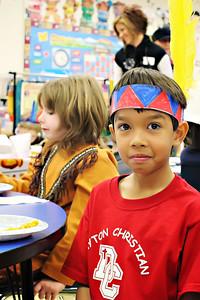 2011-11-22-DCS-1stGrade-Thanksgiving-018