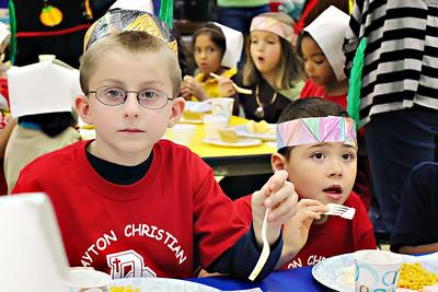 2011-11-22-DCS-1stGrade-Thanksgiving-019