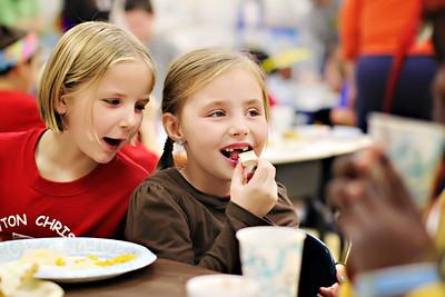2011-11-22-DCS-1stGrade-Thanksgiving-037