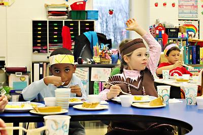 2011-11-22-DCS-1stGrade-Thanksgiving-014