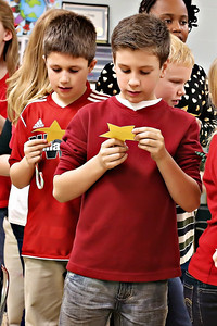 2013-12-20-DCS-3rdGrade-Christmas-34