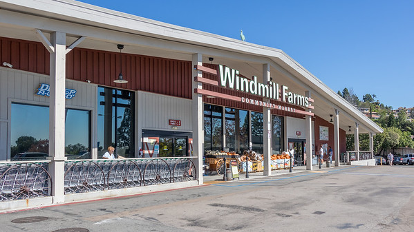Del Cerro stores 4 Bonnie