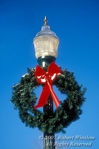 Holiday Wreath on a Lamp Post, Durango, Colorado, USA, North America