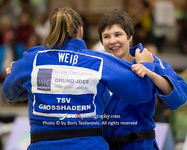 BuLi Frauen Großhadern Leipzig 2016 Laura Rio Medaille, Carolin Weiß, Laura Vargas Koch_BT_NIKON D4_20160917__D4B0462