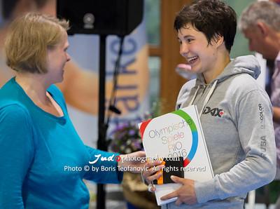 BuLi Frauen Großhadern Leipzig 2016 Laura Rio Medaille, Frauke Vortmann, Laura Vargas Koch_BT_NIKON D4_20160917__D4B0931