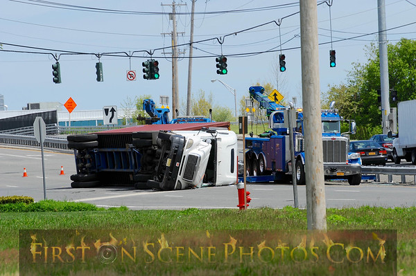 Overturned tractor trailer in Melville