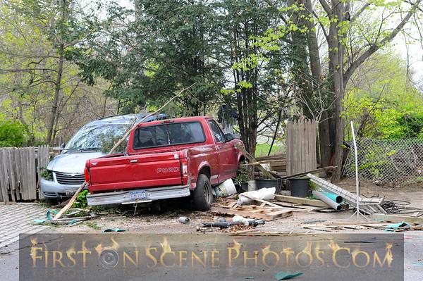 Car leaves parkway