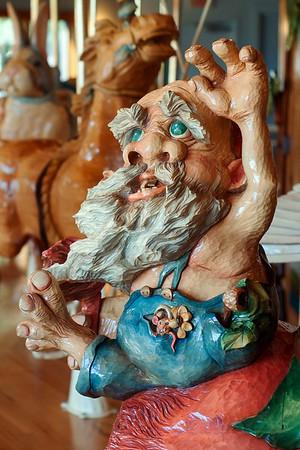 Carousel carving 1 - Lark Toys