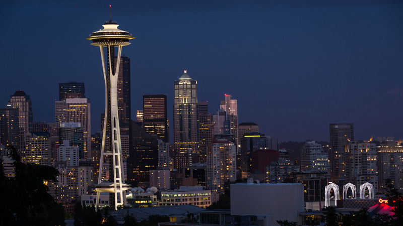 Space Needle at night, from Kerry Park. 16:9 for desktop backdrops and such.