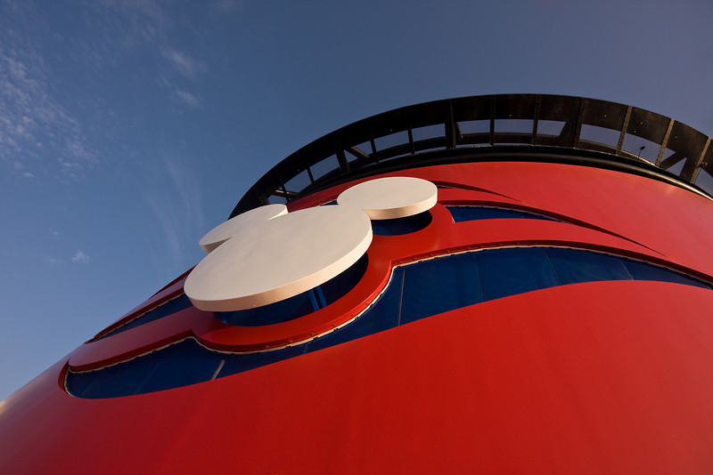 Disney's Universal Symbol<br /> Disney Magic