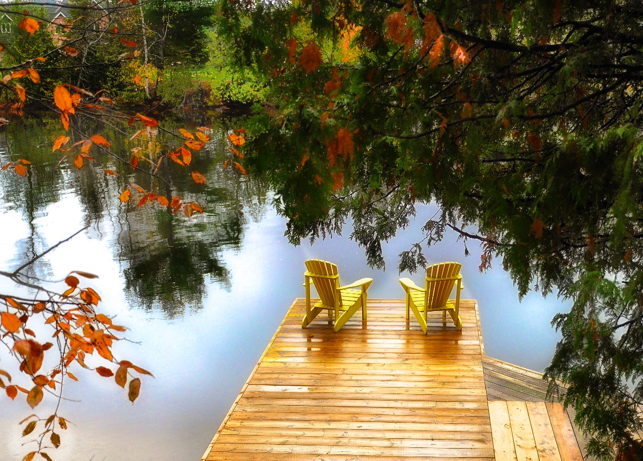 DECK CHAIRS ON RIVER
