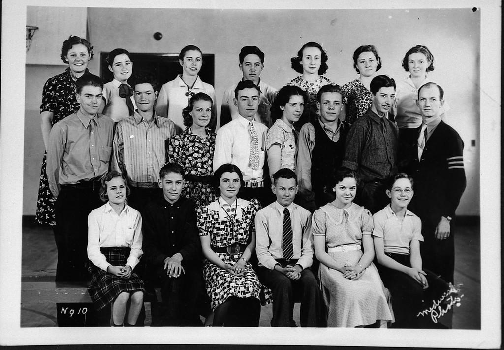 p9 20a sophomore class, glendo, wyo, '38