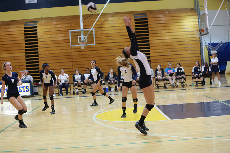 Volleyball-153
